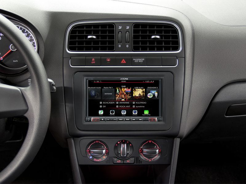 The iLX-702D Digital Media Station brings the latest media compatibility, online navigation capability and Alpine's audiophile sound quality to your ride